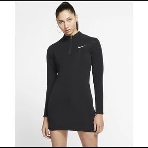 Last🤩Nike sportswear long sleeve dress large